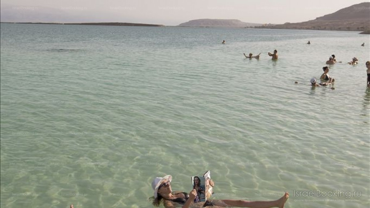Отдых на пляже Мёртвого моря