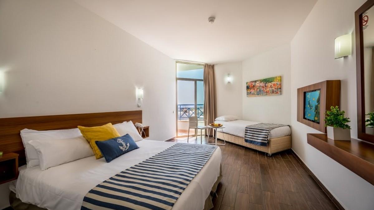 LA PLAYA CLUB ( EX-C Hotel Eilat )4*