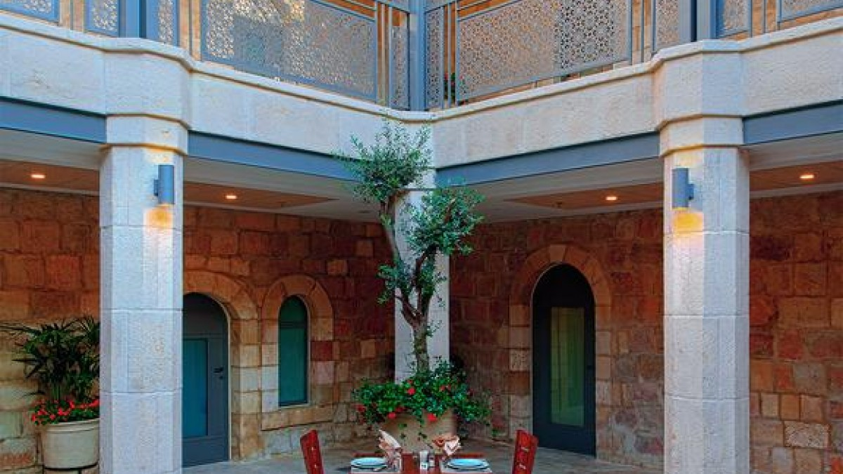 The Sepharadic House 3*